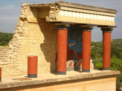 Cretan Culture | Knossos | Create Retreats