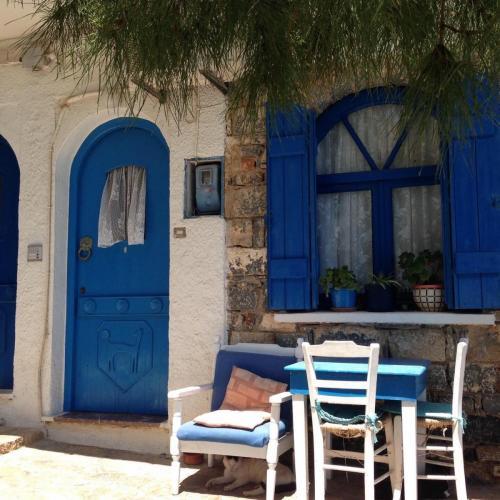 Create Retreats Crete